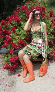 Колежанката  Ралица  Петрова  представя  свои  модели  колекция  Лято  2013